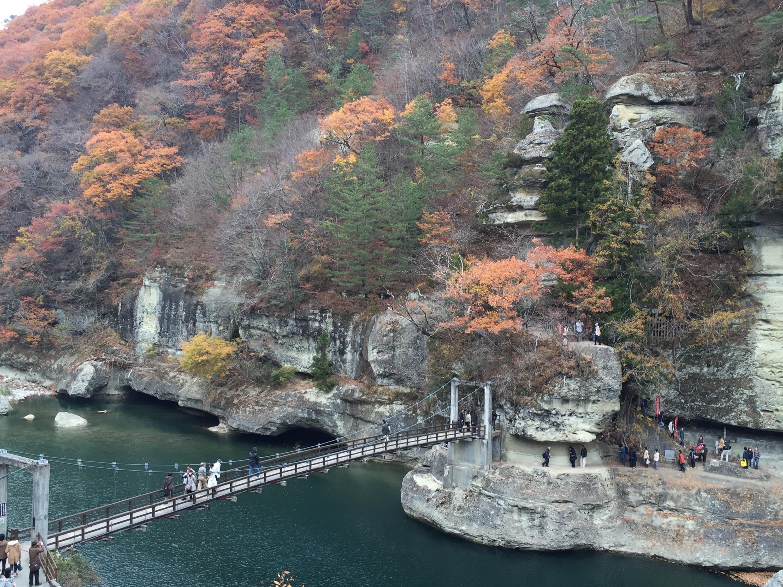 会津若松から大内宿と塔のへつりに行き、東北新幹線に乗る場合は「福島交通の観光路線バス」が便利