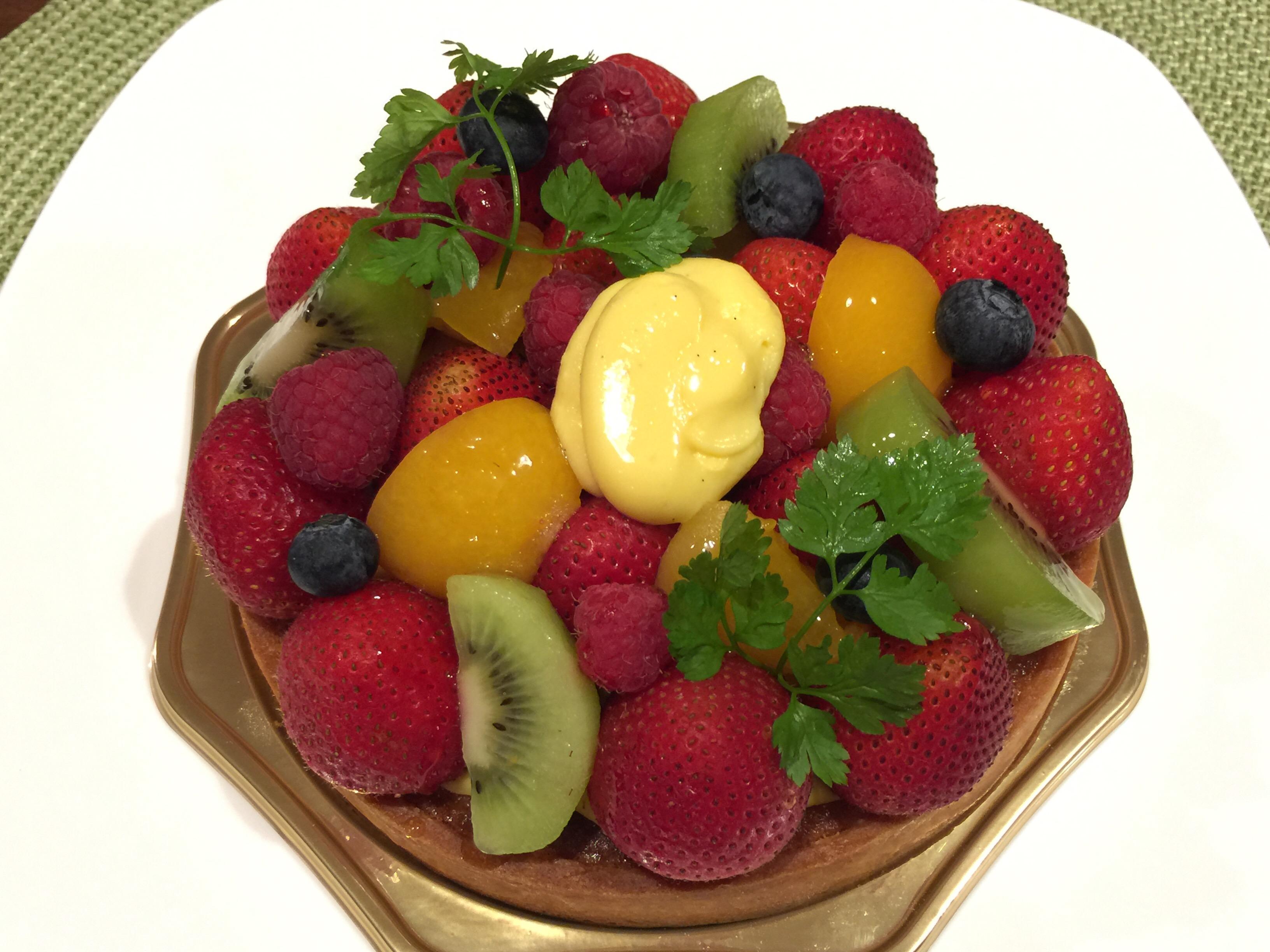 長久手市の人気店「パティスリー ピエール プレシュウズ」のバースデーケーキ
